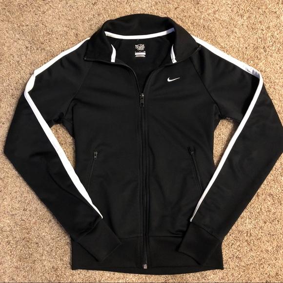 Black   White Women s Nike Track Jacket. M 5b10b4fe8ad2f9cf8a0df0f4 6c537c0b23